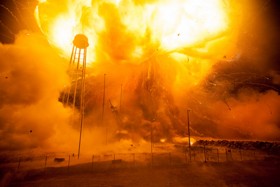 antares-rocket-explosion-launch-pad