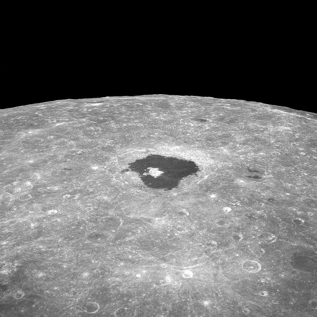 kraterin Apollo 8 görevi sırasında çekilen fotoğrafı