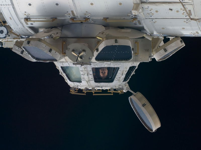 iss-cupola-astronot
